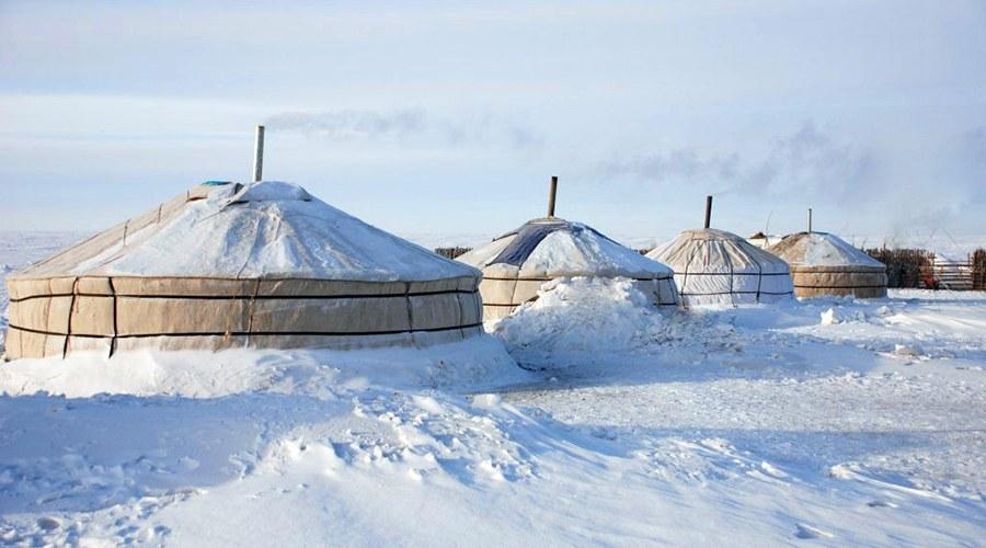 外蒙古-蒙古包冬天